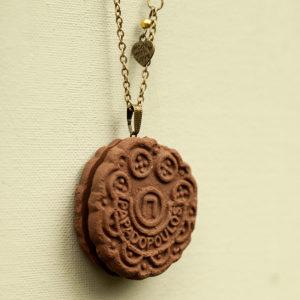 Μεγάλο Γεμιστό Κολιέ – Σοκολατένιο