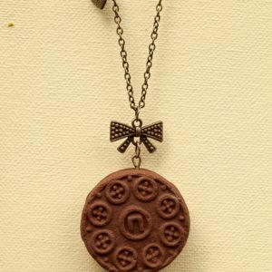 Mini Γεμιστό Κολιέ – Σοκολατένιο
